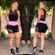 Shorts Tule Preto com Rosa Chiclete